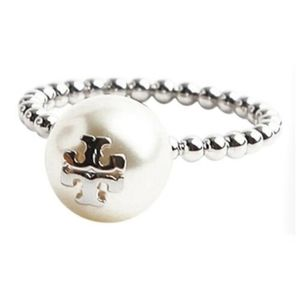 Nwot Tory Burch pearl ring in silver